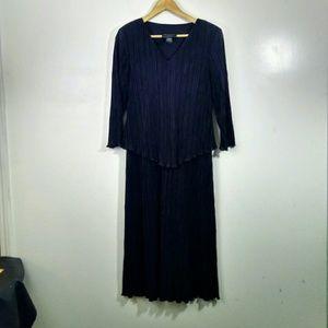 *New Listing*Connected V-Neck Black Dress